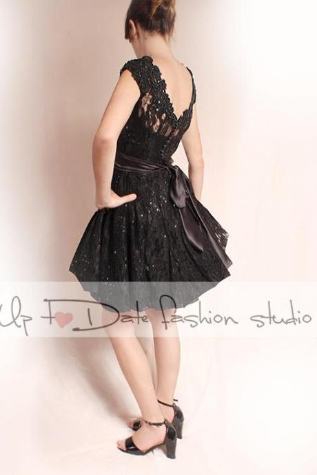 Black lace short dresses / Plus Size /wedding party dress / /short Sleeves/ Bridal Gown /Custom Made